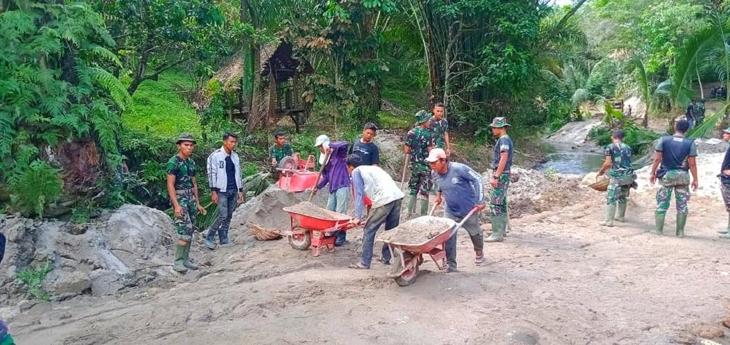 Dua Pekan TMMD Kodim 0204/DS, TNI dan Warga Makin Semangat Kerjakan Sasaran Fisik