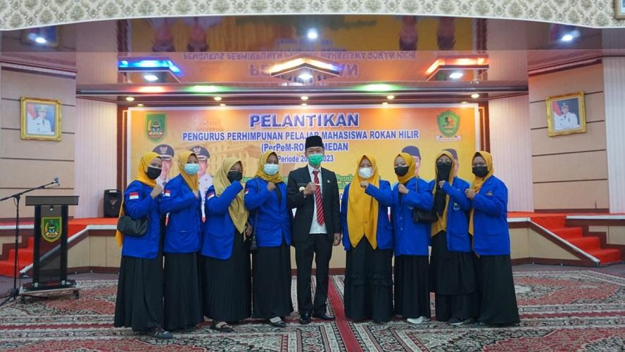 Kukuhkan PerPem-ROHI - Medan, Bupati Rohil Minta Bisa Harumkan Nama Daerah