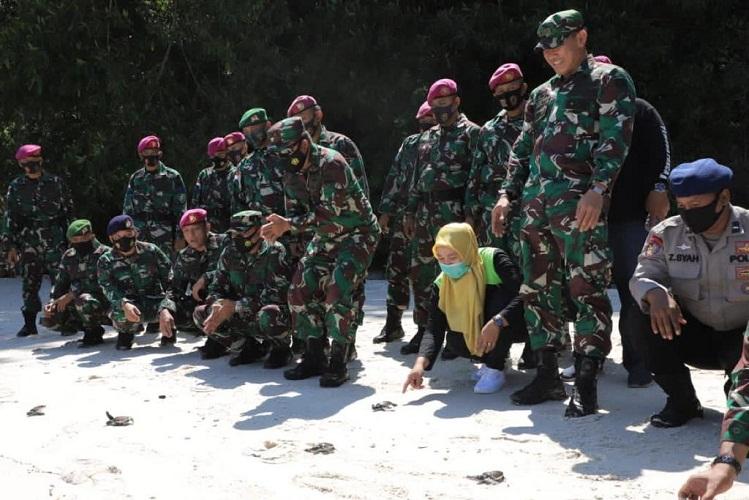 Pangdam I/BB Kunjungi Satgas Prajurit Pam Ops Pulau Berhala
