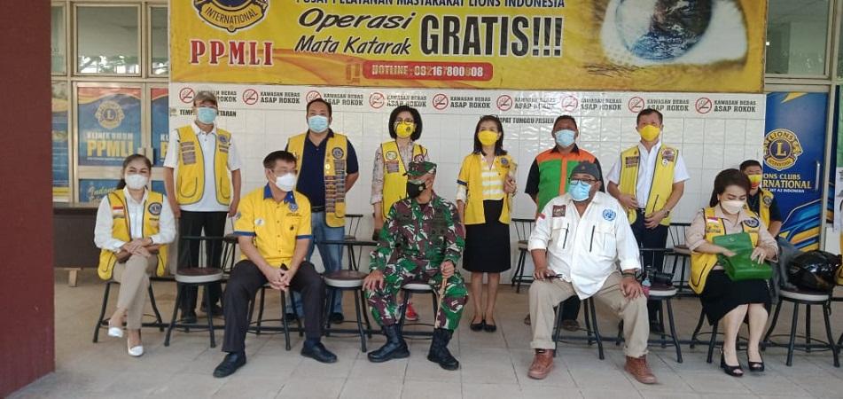 Dandim Medan Lepas Relawan Lions Club Indonesia dalam Kegiatan Penyemprotan Eco Enzym