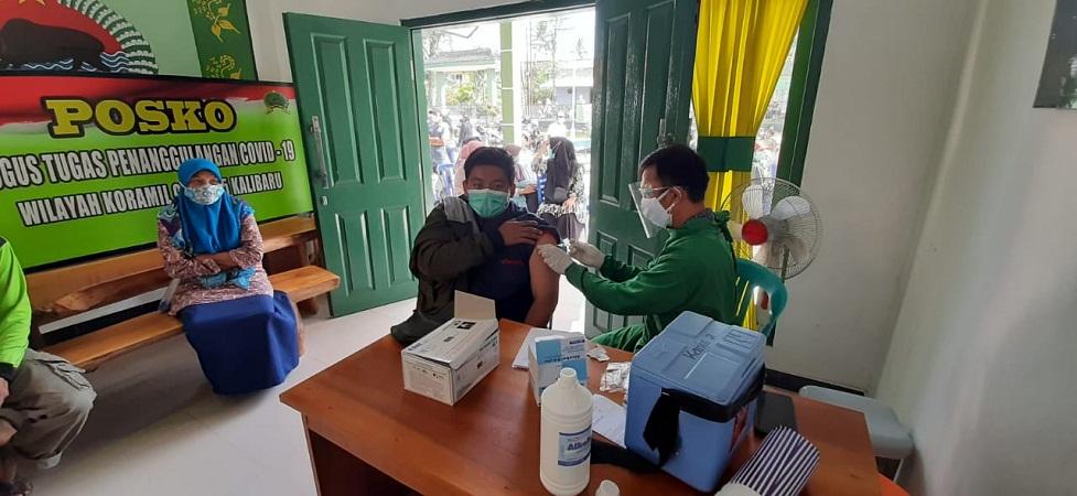 Koramil 0825/05 Kodim 0825 Banyuwangi Fasilitasi Warga Vaksinasi