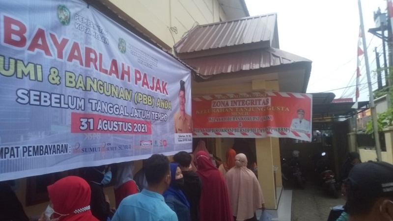 Paket Bansos PPKM Darurat (BST) di Kelurahan Tanjung Gusta Medan Berjalan dengan Lancar dan Aman
