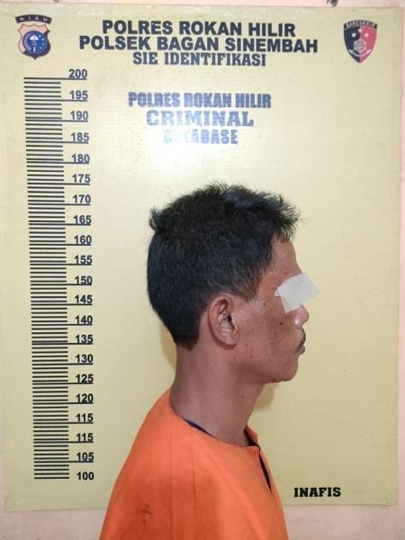 Seorang Pria Ditangkap Petugas Satreskrim, Diduga Melakukan Pemukulan