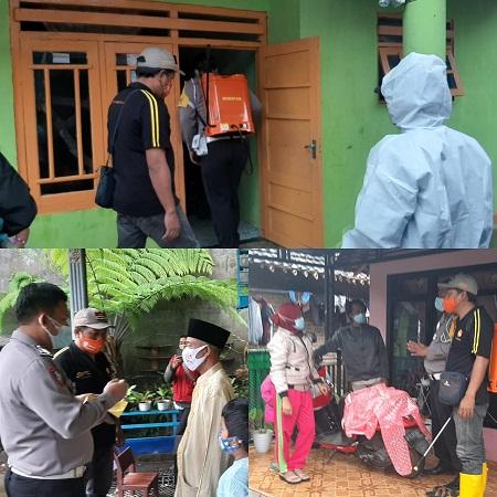 Cegah Penyebaran Covid-19, Bhabinkamtibmas Polsek Kalibaru dan Pemdes Kajarharjo Lakukan Penyemprotan Disinfektan di Pemukiman Warga