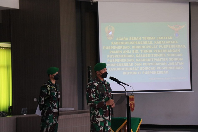 Danpuspenerbad Pimpin Acara Sertijab dan Penyerahan Jabatan Pamen Golongan IV di Lingkungan Puspenerbad