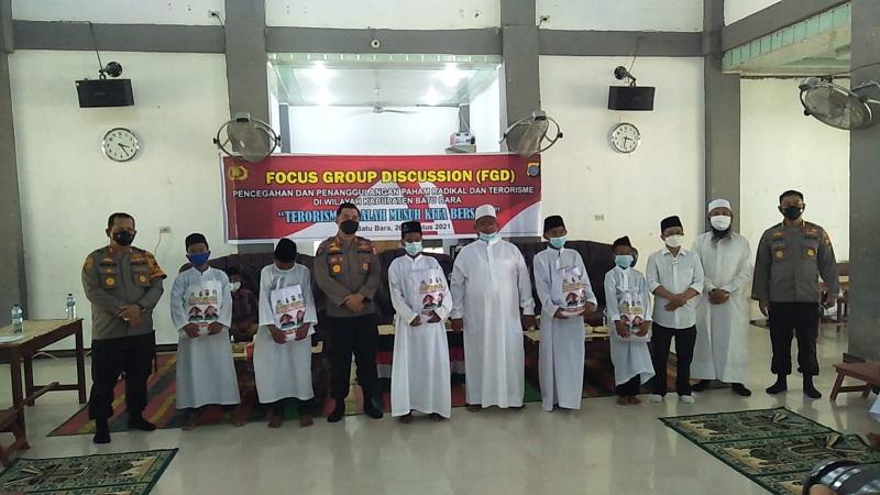Kunjungi Pondok Pesantren, Divisi Humas Polri Sosialisasikan Tangkal Paham Radikalisme dan Terorisme