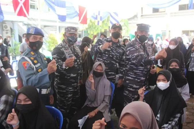 Sambut HUT TNI AL ke-76, Pangkalan TNI AL Banyuwangi Tingkatkan Gencaran Serbuan Vaksinasi