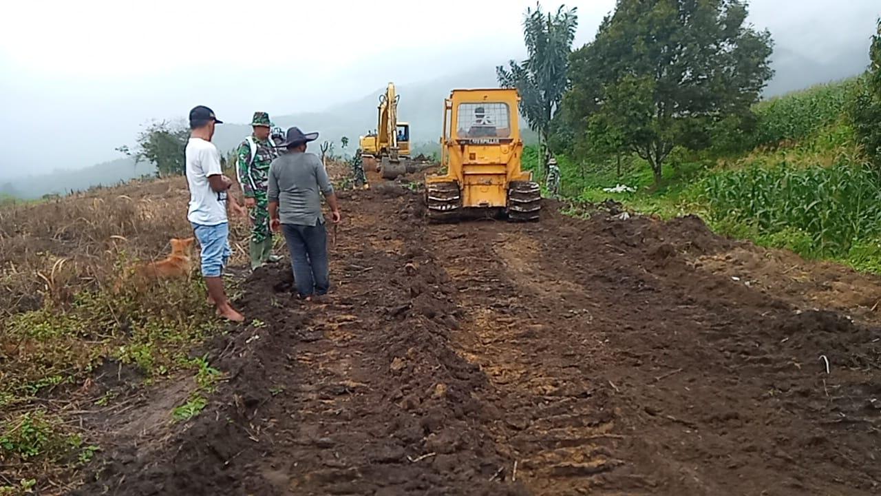 Mengunakan Alat Berat Terus Gasak Hutan dan Perbukitan, Pra TMMD Kodim 0206/Dairi