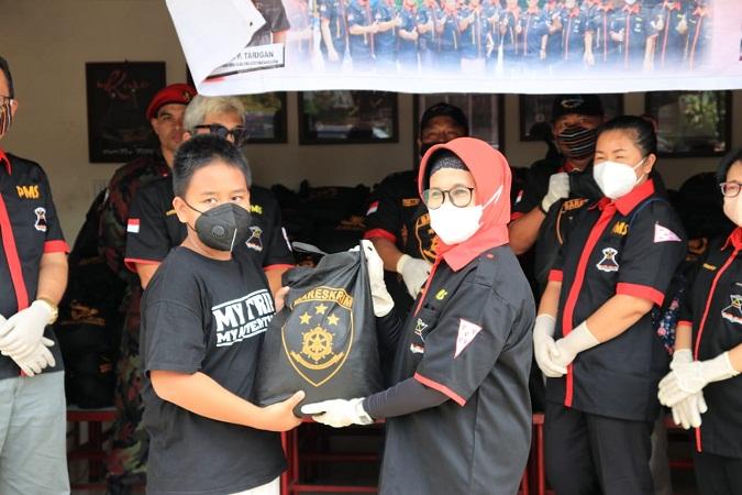 DPD PMS Salurkan Bantuan Sembako dari Kabareskrim Polri kepada Warga Pematangsiantar